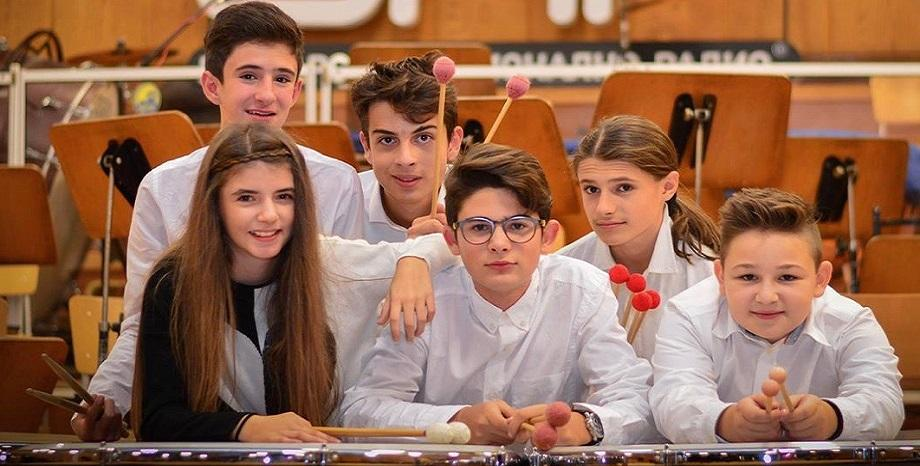 Децата от Бон-Бон дариха 7000 лева на Музикално училище Любомир Пипков
