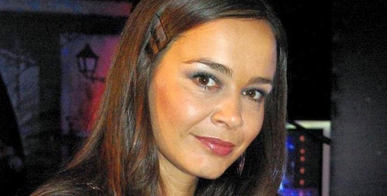 Искра Ангелова представя своите 10 любими български песни по БГ Радио.