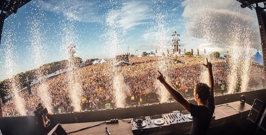 Martin Garrix се присъединява към David Guetta за мега финал на EXIT Festival 2018