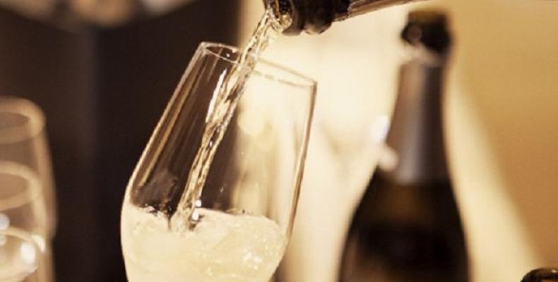 """Днес, 5 август е """"рождения ден"""" на шампанското. Интересни факти за пенливото вино"""