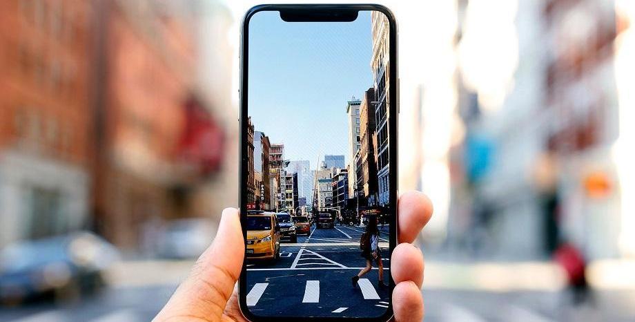 Цените на смартфоните от висок клас ще продължават да се покачват