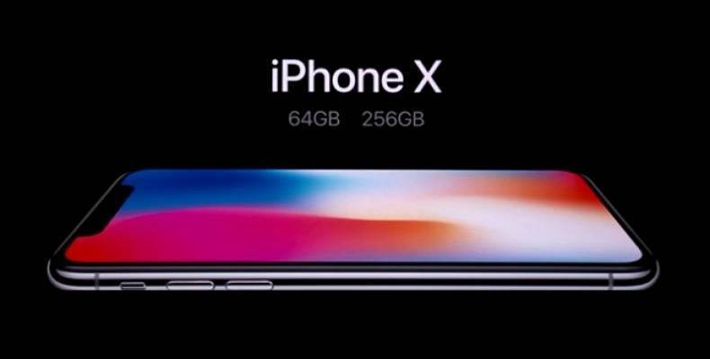 iPhone X излиза в продажба днес