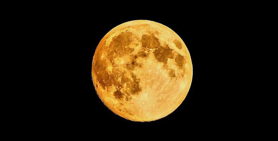 Новата година започва с най-красивата и ярка Супер Луна за 2018