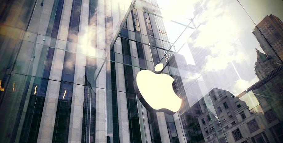 Apple обмислят да намалят цените на iPhone, за да се повишат продажбите