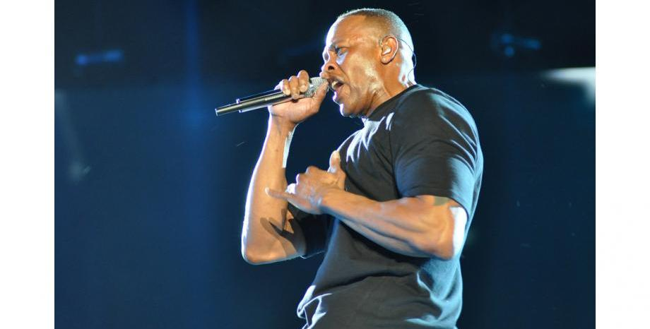 Dr. Dre влезе в болница