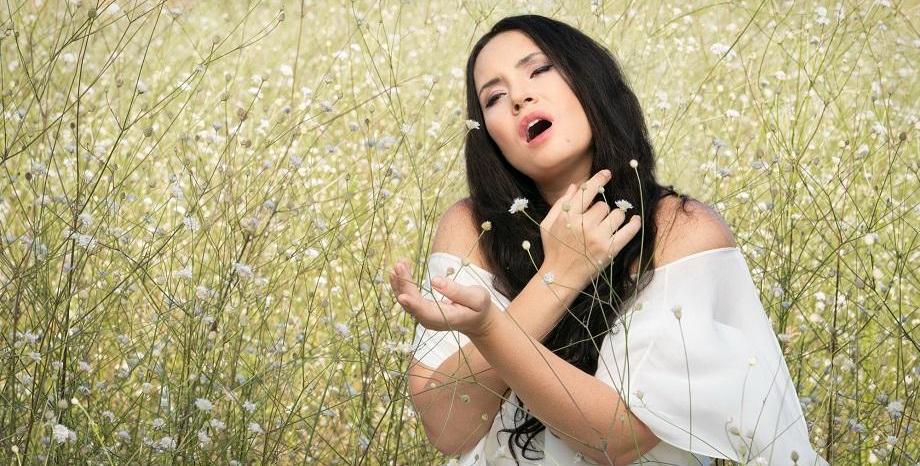 Звездното сопрано Соня Йончева отправя послание за надежда и прераждане с новия си албум Rebirth