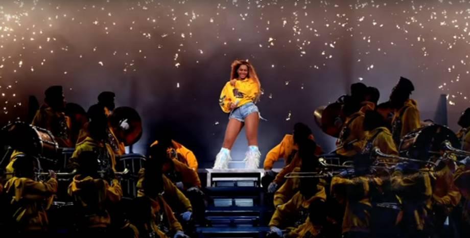 Beyoncé се завърна зрелищно на музикалната сцена с невероятно шоу на Coachella