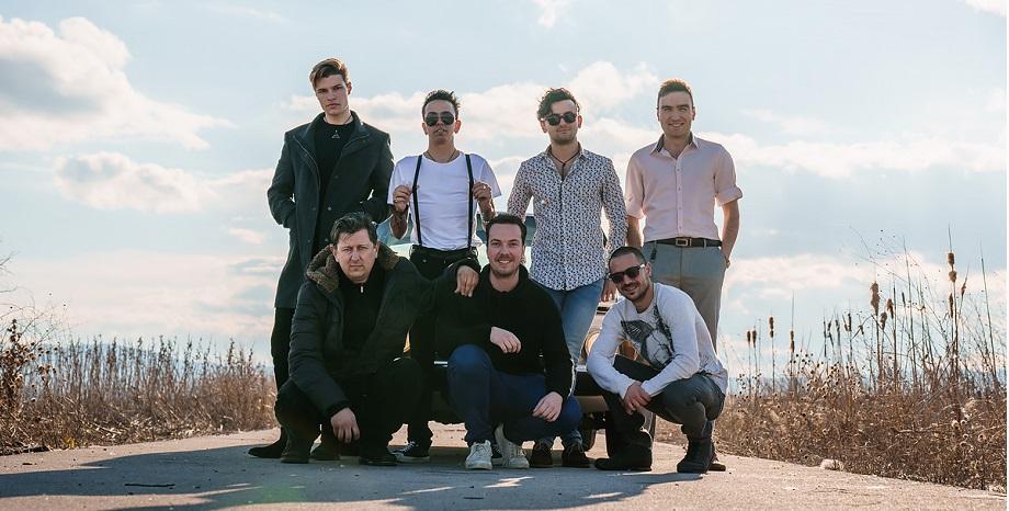 Julian's Laughter с нов сингъл и клип на 15 април!