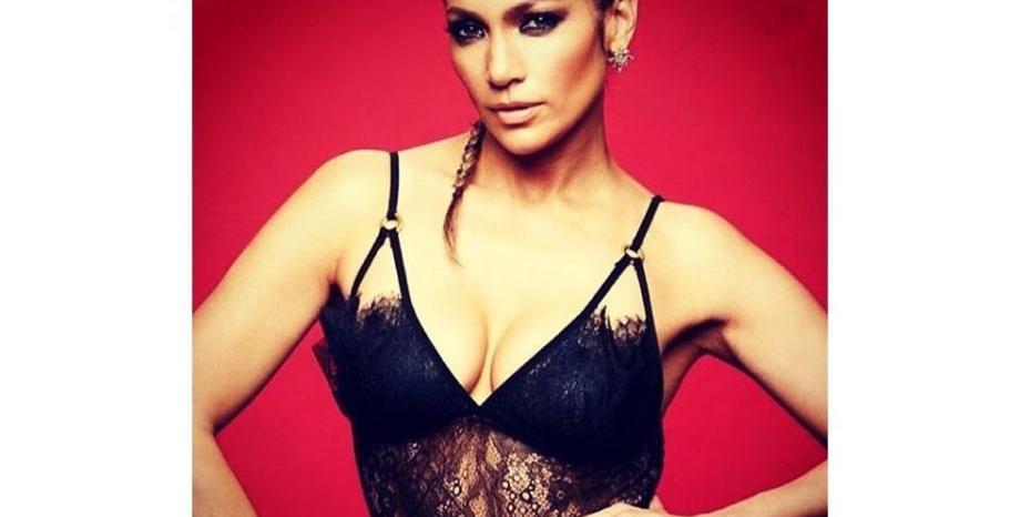 Jennifer Lopez облече рокля от български дизайнер