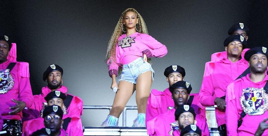 Beyoncé отново изненада с албум!
