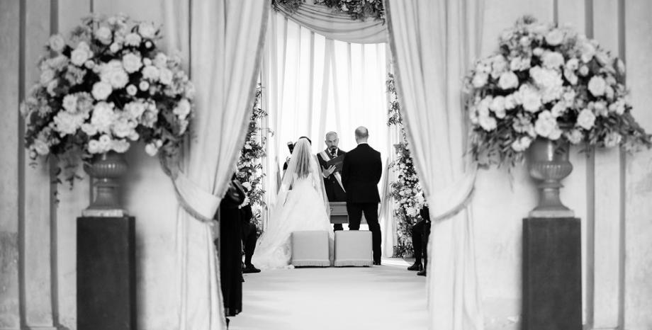 Младоженци-столетници не крият своята любов: 100 + 103