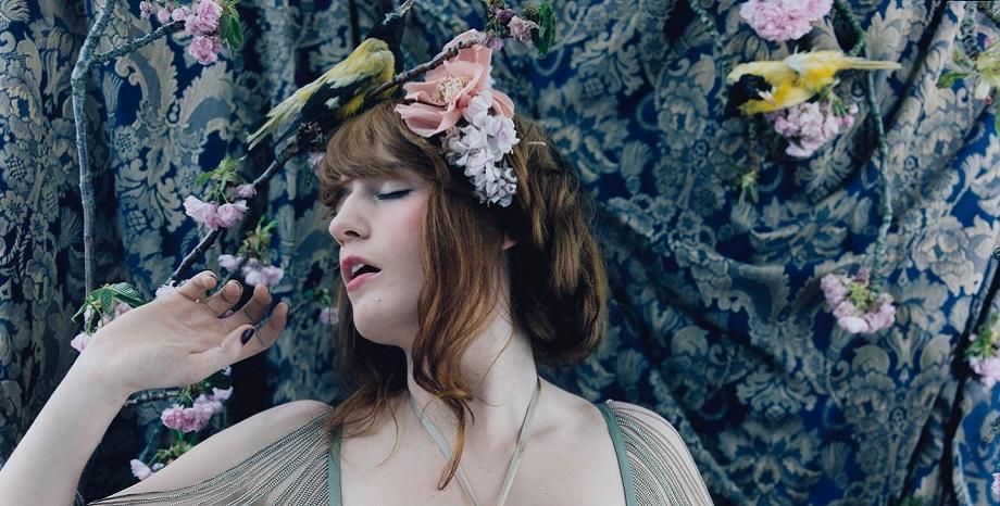 Florence + The Machine празнуват 10 години от създаването на първия си албум!