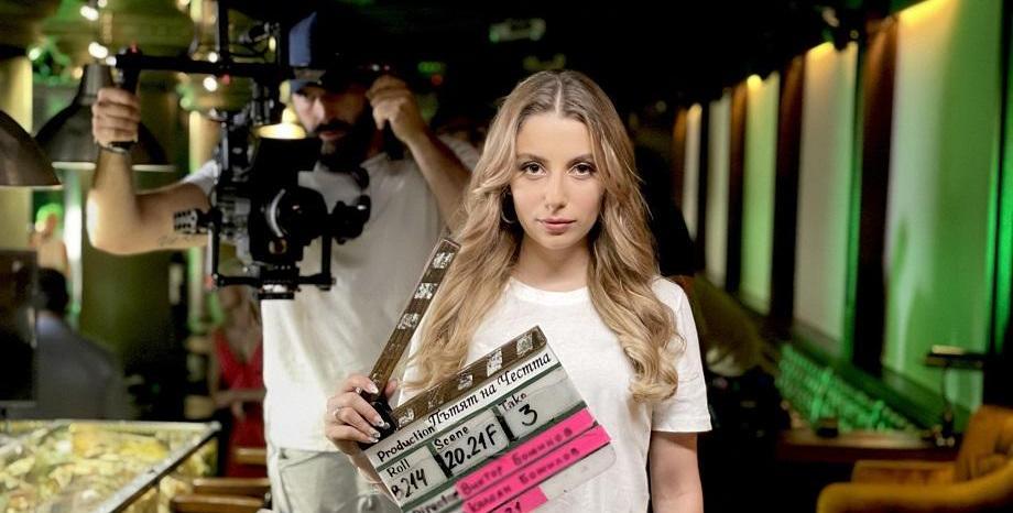 """Новата песен на Михаела Маринова """"Сериал"""" - основна музикална тема в хитовата поредица """"Пътят на честта"""""""