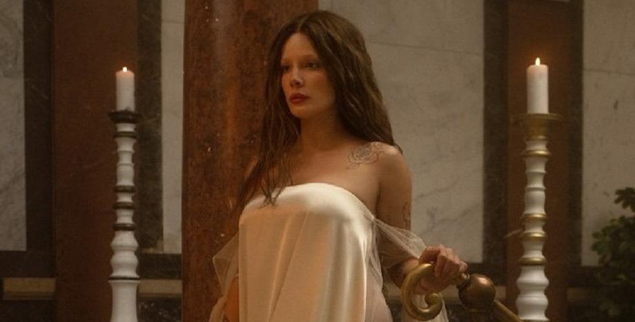 Halsey с нов поп-рок албум и филмово преживяване -
