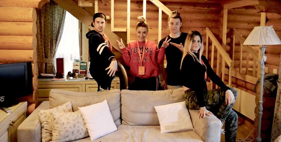 Песен от Sofia Songwriting Camp влиза в албума на най-популярната женска K-pop банда Twice
