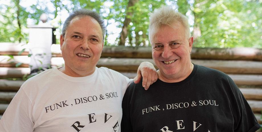 Данчо Стълбицата издаде книга за историята на професията DJ в България