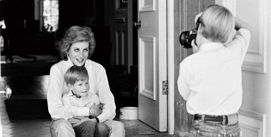 Паметник на принцеса Даяна ще бъде открит в двореца Кенсингтън догодина