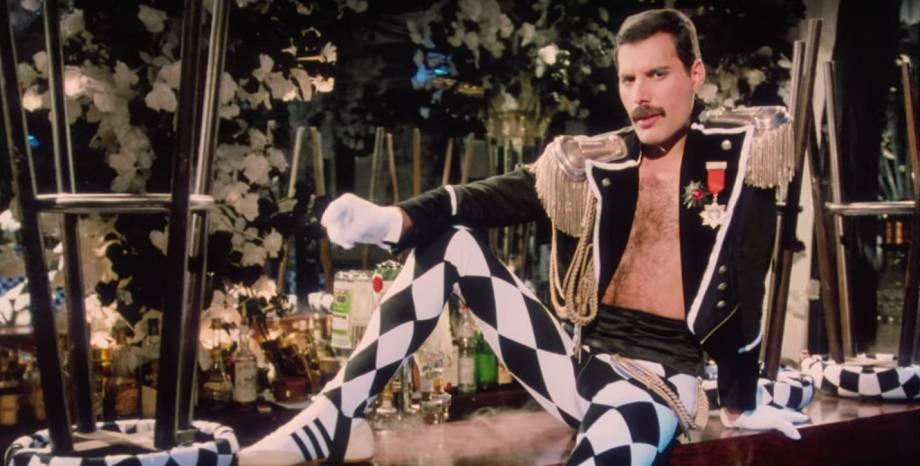Вижте Freddie Mercury в нова версия на