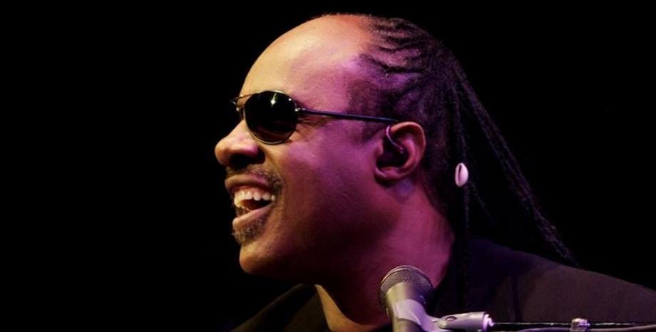 Stevie Wonder се завръща на музикалната сцена