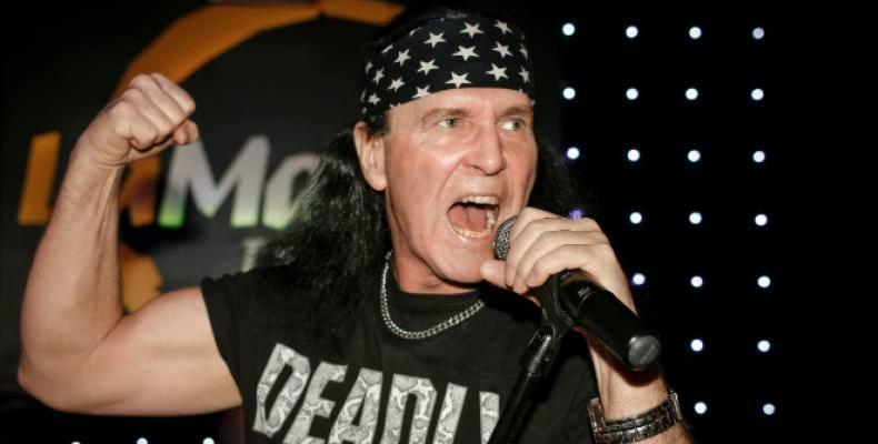 Честит рожден ден на първия вокалист на AC/DC, Dave Evans
