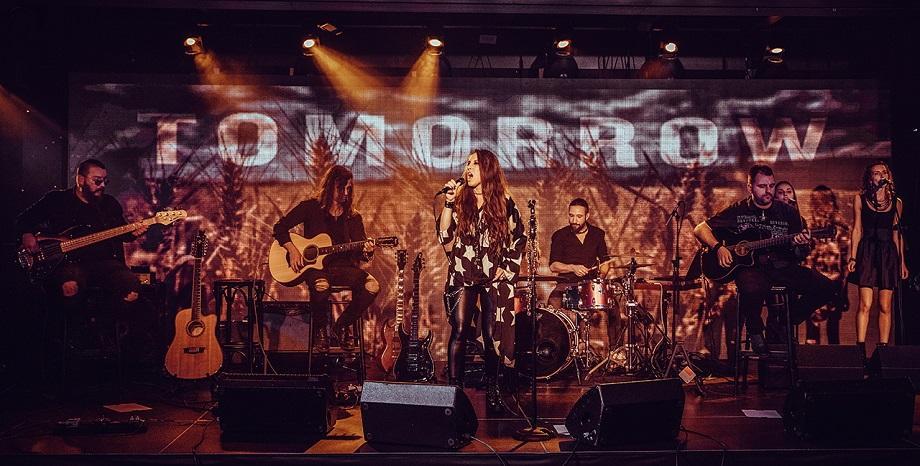 Фронт дамата на SEVI представи дебютен албум и видео
