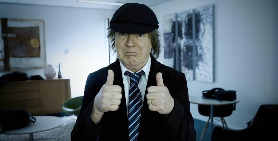 AC/DC оглавиха британската класация за албуми с
